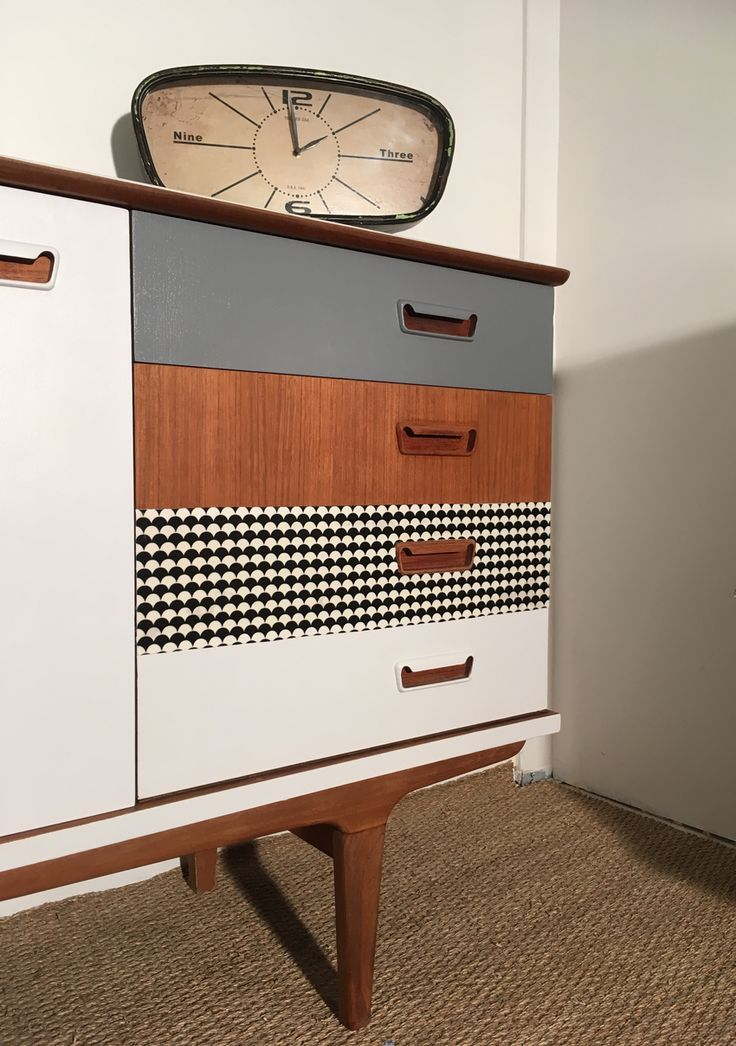 mid century modern with new attention to detail and patterning - #attention #cen...