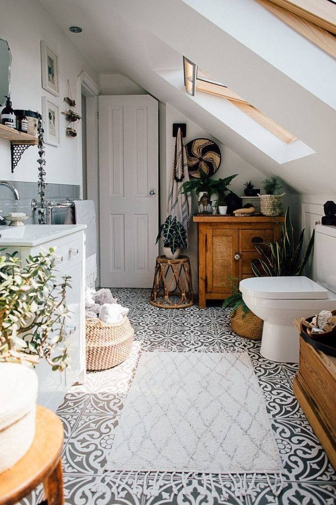 Solid color floor tiles - Theresos boho style with four beds. Scandi bath #bette ...