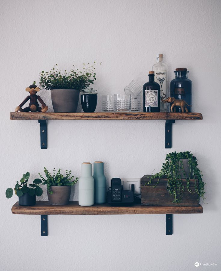 DIY shelf made of old wooden planks - old wood edit - furniture self-made - in ...
