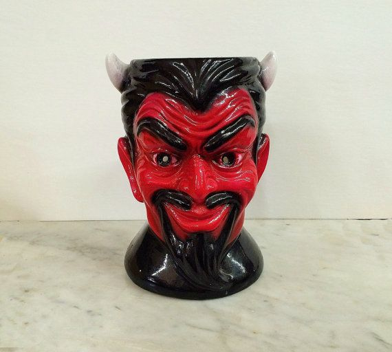 Where can you buy a super cool VINTAGE CHALKWARE DEVIL HEAD LAMP? Here and he&#3...