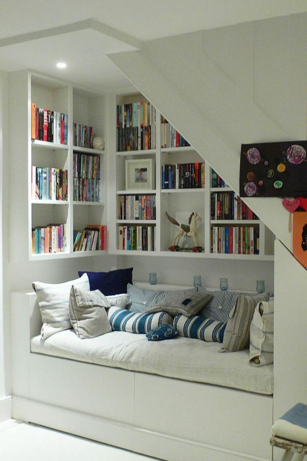 Modern stairs - use of space under the stairs - nice ideas